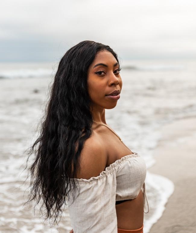 性感黑人海边人体艺术摄影图片
